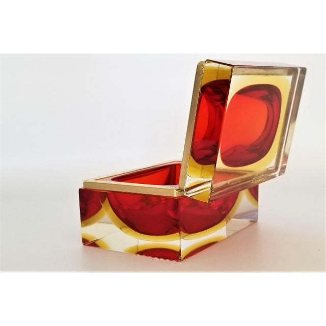 Yellow Murano Vintage 1970s Glass Jewelry Box by Alessandro Mandruzzato-Mid Century Modern MCM Hollywood Regency Italy Italian Bowl Vase For Sale - Image 8 of 13
