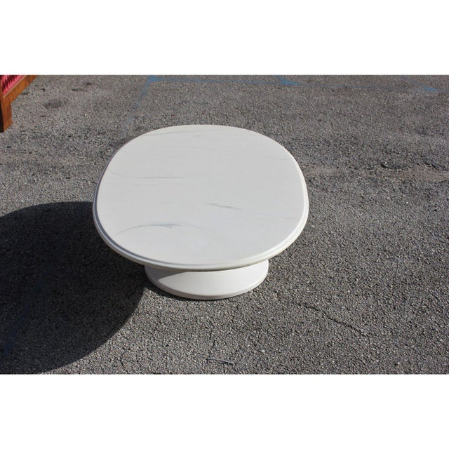 1960s 1960s French Mid-Century Modern White Resin Oval Coffee Table For Sale - Image 5 of 12