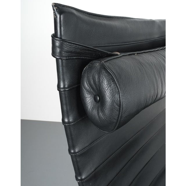 Poul Kjærholm Early Fritz Hansen Pk20 Lounge Chair in Black Leather, 1987 For Sale - Image 11 of 12