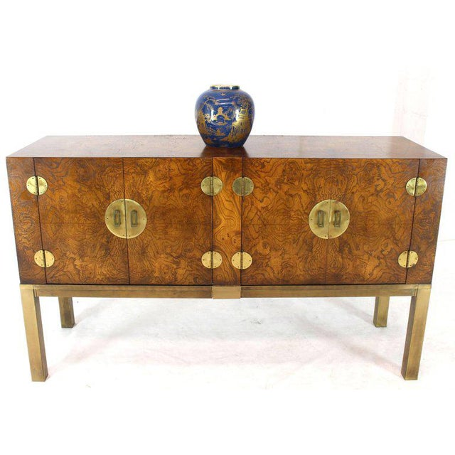 Mid-Century Modern Burl Wood and Solid Brass Hardware Compact Double Doors Credenza For Sale - Image 3 of 11