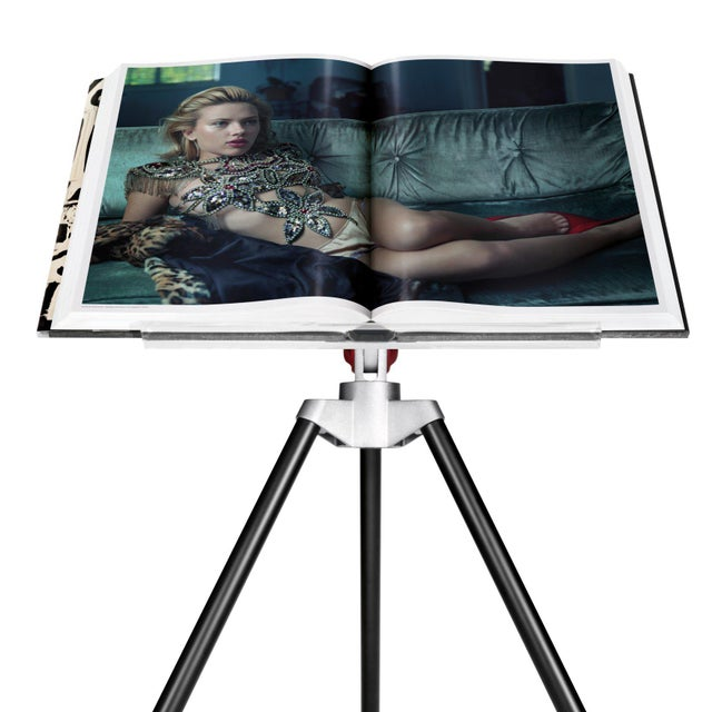 Paper TASCHEN Books, Autographed Annie Leibovitz Portrait Collection - David Byrne, 1986 Cover. Collector's Edition with Book Stand For Sale - Image 7 of 11