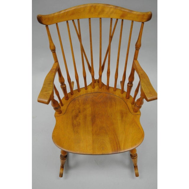 Colonial Traditional Vtg Nichols & Stone Maple Wood Windsor Rocking Chair Rocker For Sale - Image 4 of 11