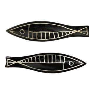 Vintage Victor De Nalda Ceramic Fish Dishes - a Pair For Sale