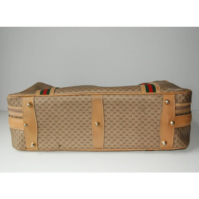 Gucci 1970 Gucci Leather and Fabric Logo Suitcase With Brass Insignia For Sale - Image 4 of 11