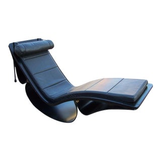 "Original Vintage ""Rio"" Rocking Chaise by Oscar Niemeyer For Sale"