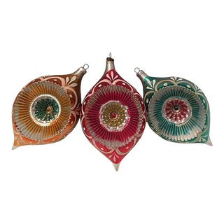 1950s Fancy Indent Ornaments For Sale