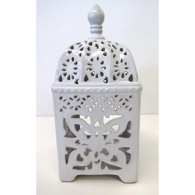 Marrakesh-Style White Ceramic Candleholder - Image 5 of 7