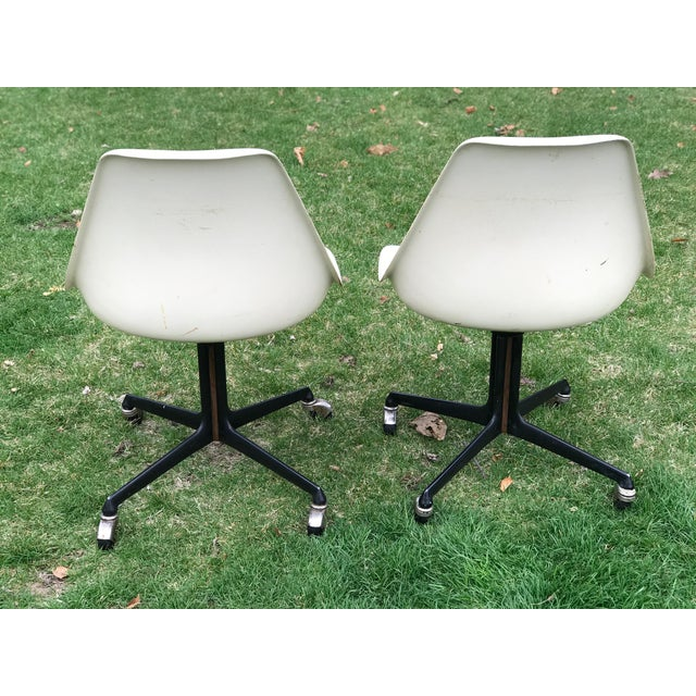 1950s Mid Century Fiberglass Tulip Chairs on Casters by Burke- A Pair For Sale - Image 5 of 9