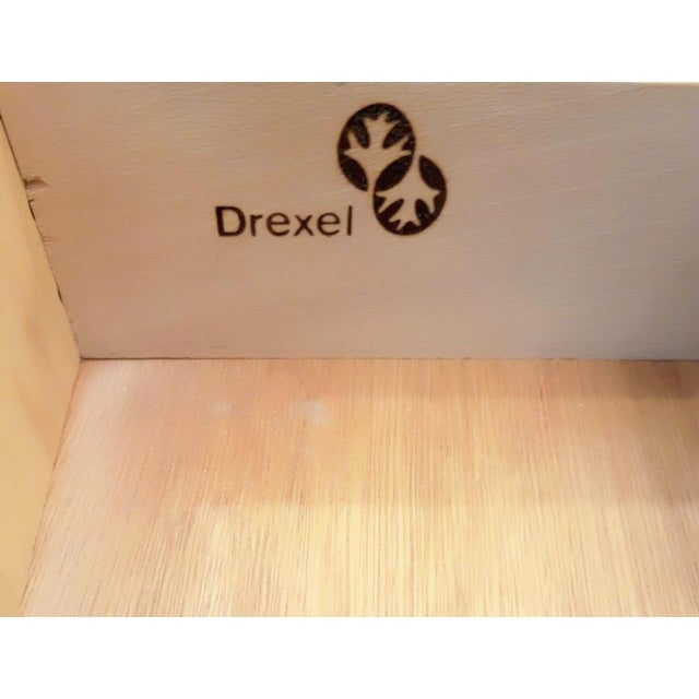 1960s Drexel Accolade White Lacquered Campaign Nightstands - a Pair For Sale - Image 9 of 12