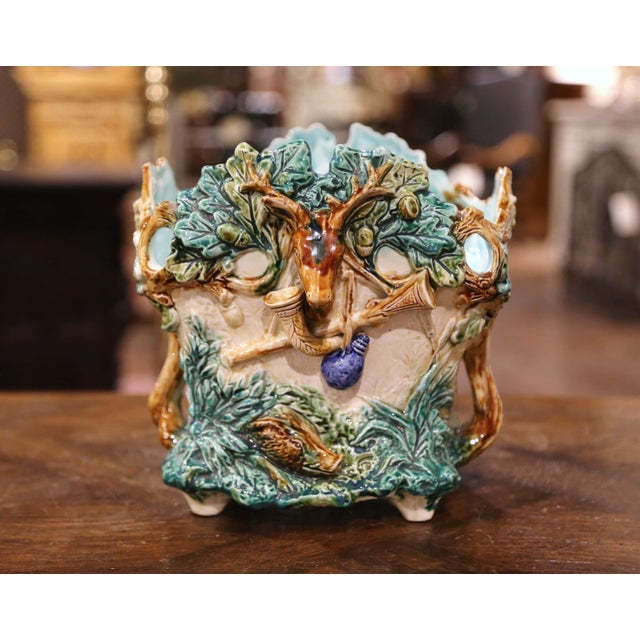 Beige 19th Century French Painted Majolica Cachepot With Hunt Trophy Motifs For Sale - Image 8 of 13
