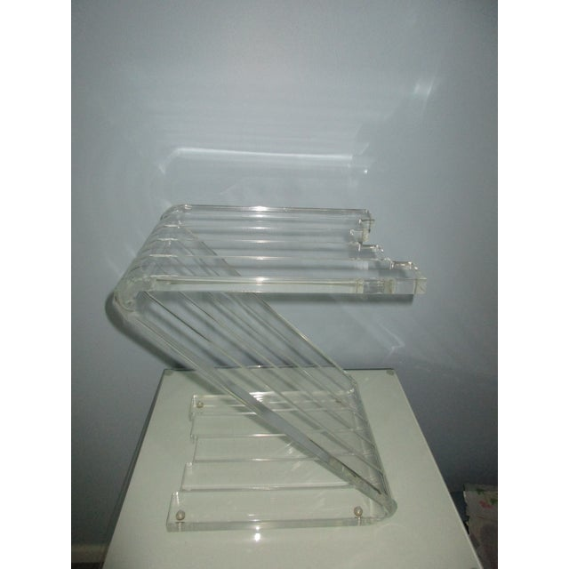Contemporary 1970s Hollywood Reegncy Lucite Z Shaped Side Table/Plant Stand For Sale - Image 3 of 13