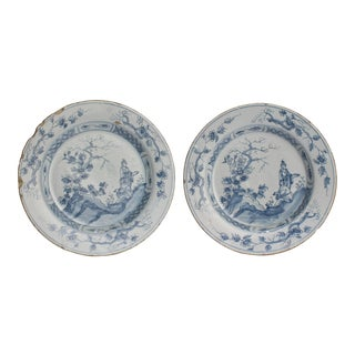 18th Century Blue and White English Delft Plates - A Pair For Sale