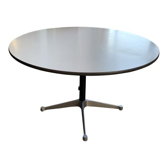 1960s Vintage Herman Miller Round Table For Sale