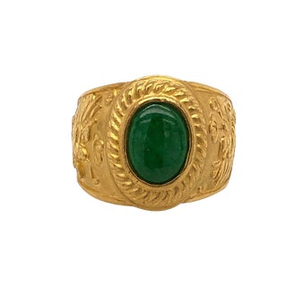 Chinese Unisex 24k Gold Jade Ring With Dragons For Sale