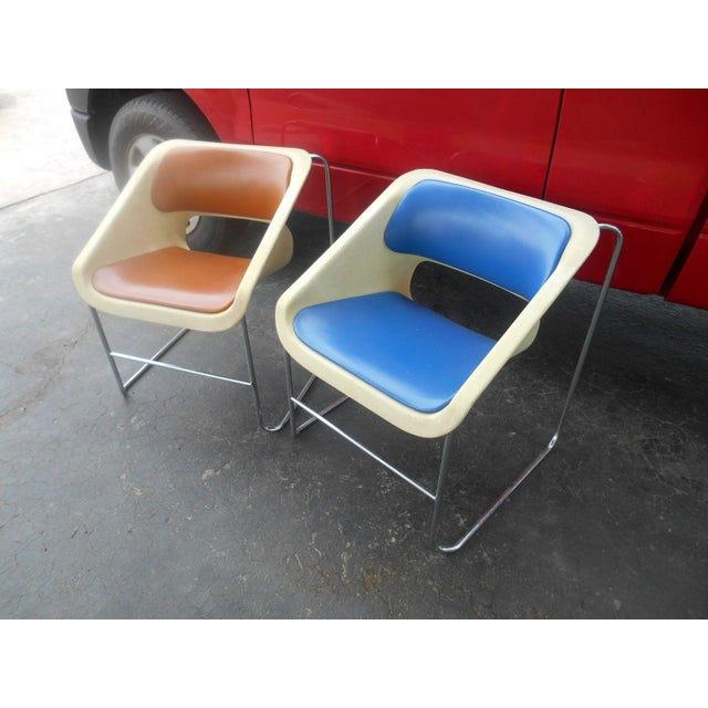 """Mid-Century Modern Mid-Century Modern Artoplex """"Lotus"""" Stacking Chairs - A Pair For Sale - Image 3 of 6"""