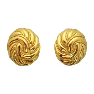Vintage Trifari Gold Swirl Clip Earrings - a Pair For Sale