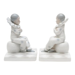 1950s Vintage Japanese Porcelain Pierro Bookends - a Pair For Sale