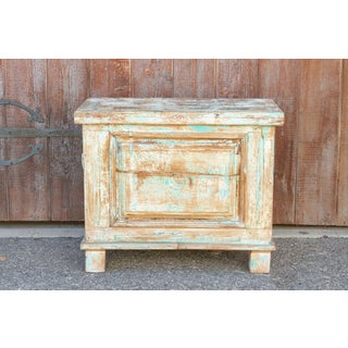 Kabara Old Wood Painted Chest Preview