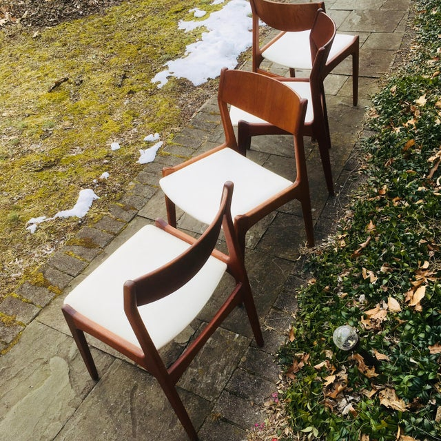 Boho Chic 1960s Vintage Danish Modern Teak Dining Room Chairs- Set of 4 For Sale - Image 3 of 4