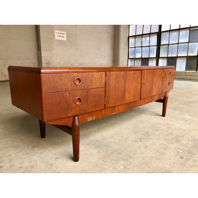 Mid Century Danish Modern Teak Bow Front Low Credenza Sideboard Media Console Cabinet Curved Front For Sale - Image 4 of 9