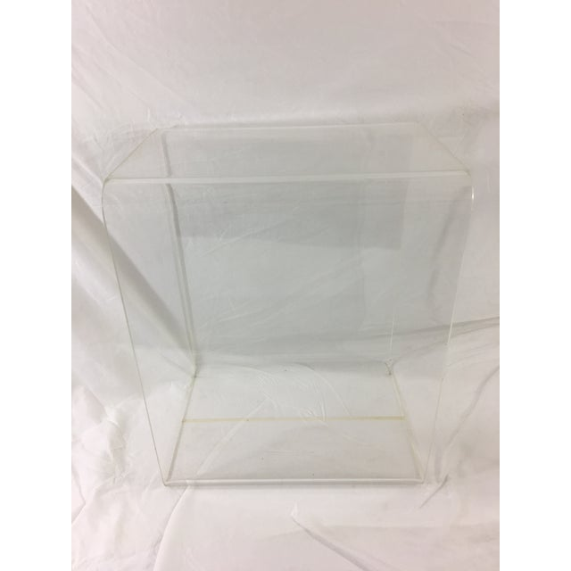 Mid-Century Modern Lucite Nesting Tables - Set of 2 For Sale - Image 10 of 11