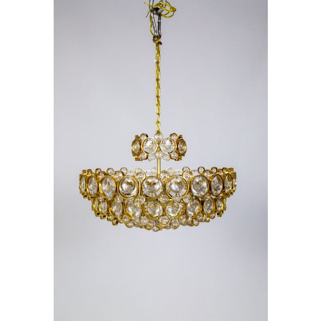 1960s Circular Gilt Brass & Optical Lens Crystal Multi Tier Chandelier by Palwa For Sale - Image 5 of 13