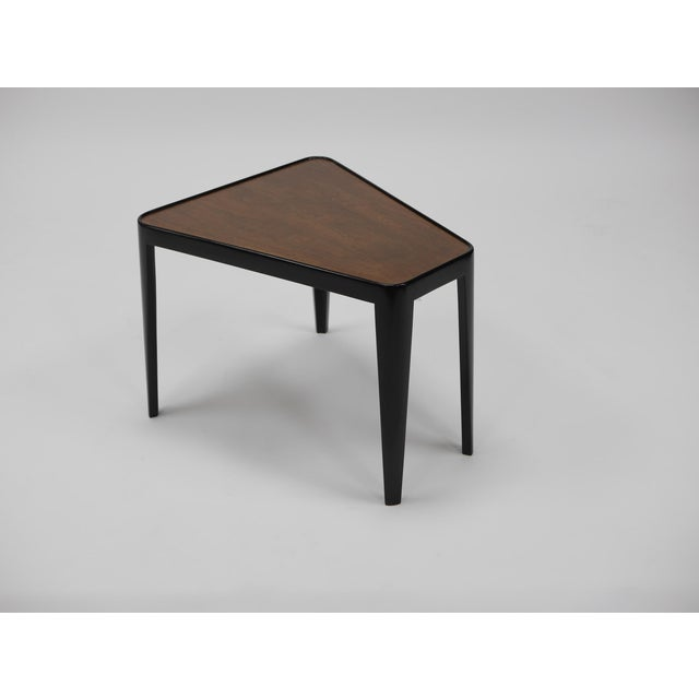 Dunbar Furniture Pair of Wedge Tables by Edward Wormley for Dunbar For Sale - Image 4 of 10