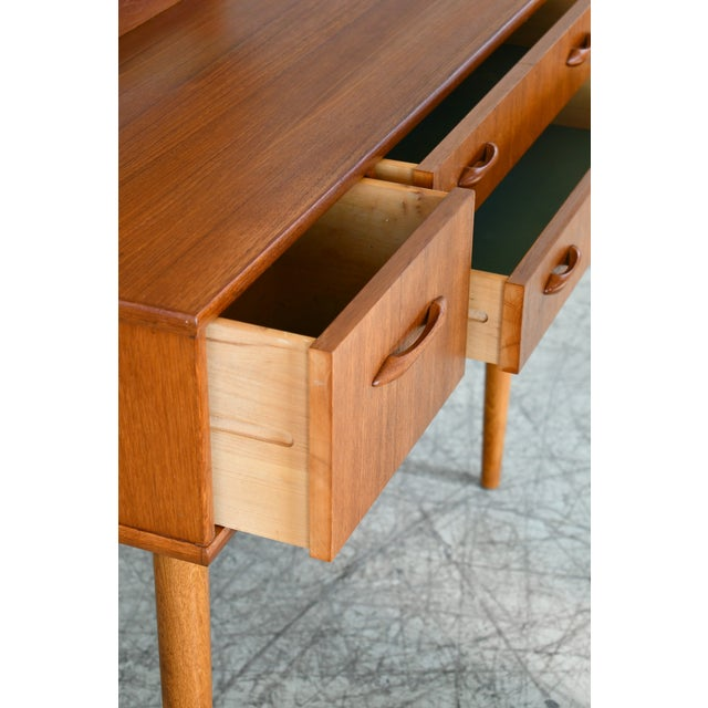 Wood Danish Mid-Century Vanity or Dressing Table in Teak With Mirror and Drawers For Sale - Image 7 of 13