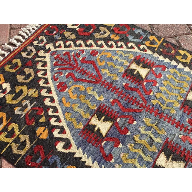Textile Vintage Turkish Kilim Rug For Sale - Image 7 of 9