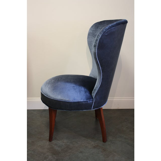 Mid-20th Century Art Deco Midnight Blue Velvet Slipper Chairs - a Pair - Image 4 of 9