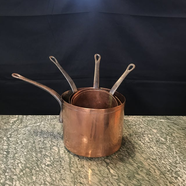 French Mid 19th Century Graduated French Copper and Iron Pots- Set of 4 For Sale - Image 3 of 7