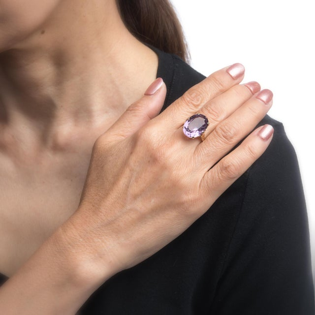 Vintage Amethyst Ring 9 Karat Gold Large Cocktail English Estate Fine Jewelry For Sale In Los Angeles - Image 6 of 8
