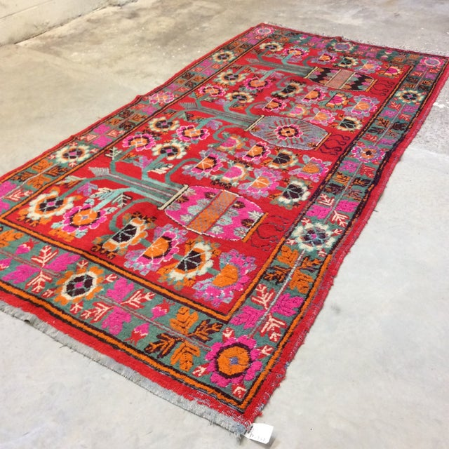 Vintage Chinese Khotan Rug - 4'9x10' For Sale - Image 4 of 13
