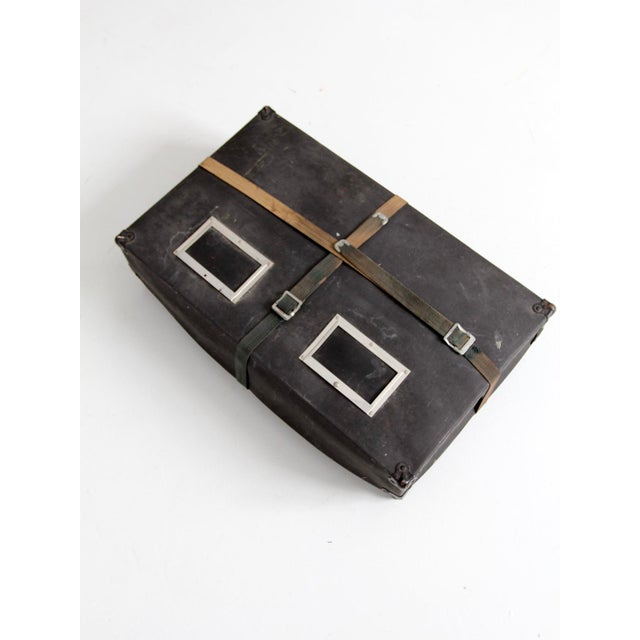 Early 20th Century Vintage Laundry Mailing Box For Sale - Image 5 of 8