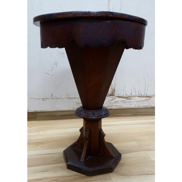 English Pedestal-Style Chess Table - Image 4 of 4