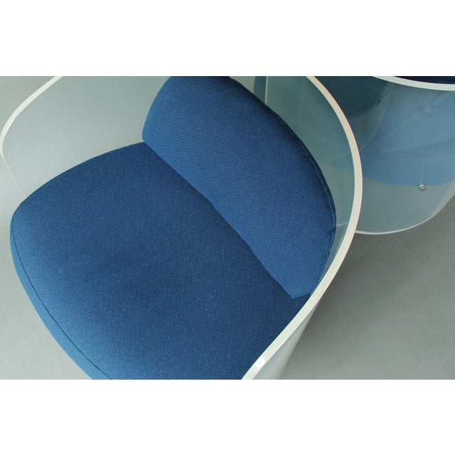 Space Age Lucite Barrel Lounge Chairs - a Pair For Sale In New York - Image 6 of 13