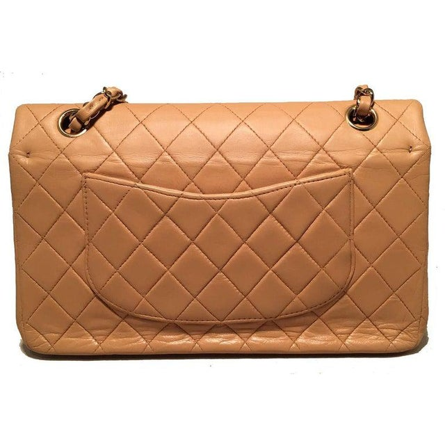 Chanel Vintage Tan 10 inch 2.55 Double Flap Classic Shoulder Bag in very good condition. Quilted tan lambskin leather...