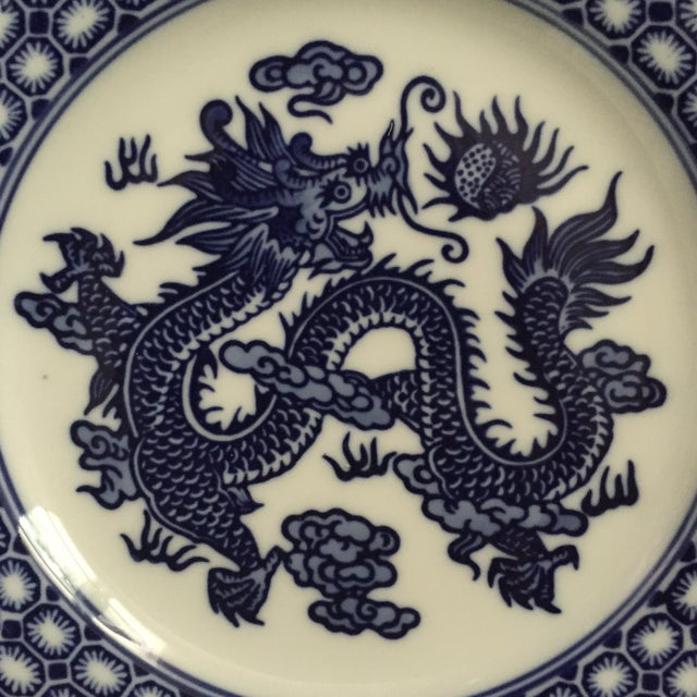 Vintage Chinoiserie Blue and White Asian Foo Dragon Decorative Plates - a Pair For Sale - Image 4 of 10
