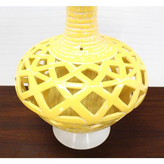 Mid-Century Modern Pair of Pierced Yellow Glaze Pottery Mid-Century Modern Lamps For Sale - Image 3 of 10