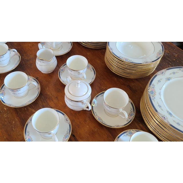 Contemporary 6 Piece Service for 12 Lenox Abigail Porcelain China Dinnerware Set, 1990s ~ Mint ~ For Sale - Image 3 of 13