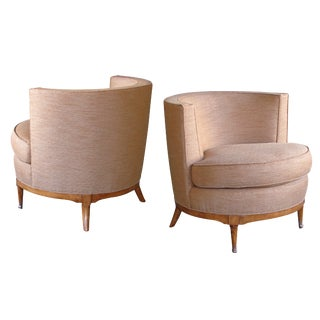 A Mod Pair of American Mid-Century Barrel-Back Club Chairs For Sale