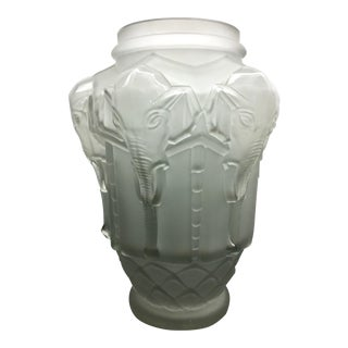 Frosted Art Deco Elephant Vase