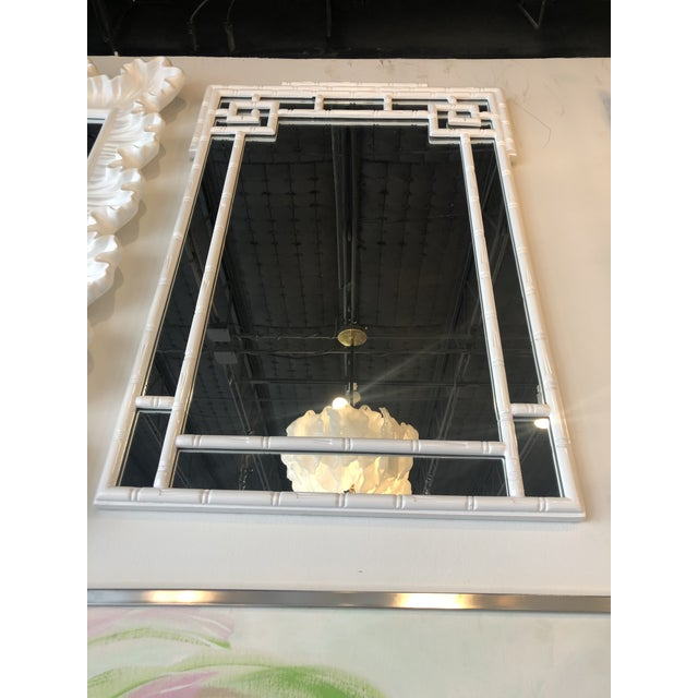 1970s Vintage Palm Beach White Lacquered Greek Key Faux Bamboo Wall Mirror For Sale - Image 5 of 11