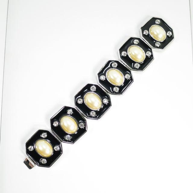 1980s Ysl Yves Saint Laurent Faux Mabe Pearl & Black Enamel Link Bracelet For Sale - Image 13 of 13