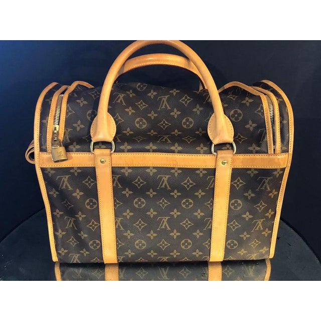 Traditional Louis Vuitton 40 Monogram Canvas Luggage Bag For Sale - Image 3 of 12