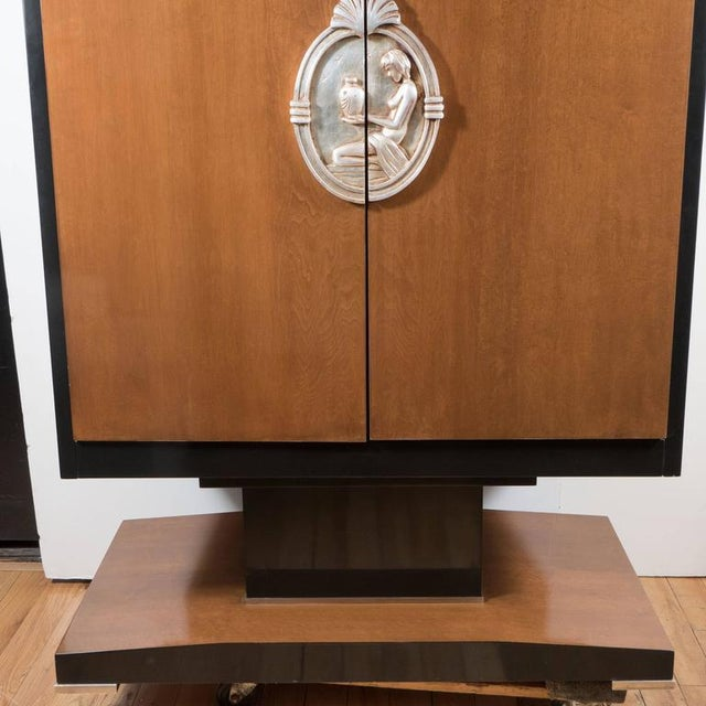 1980s Art Deco Style Armoire in Walnut, Lacquer and Giltwood For Sale - Image 5 of 9