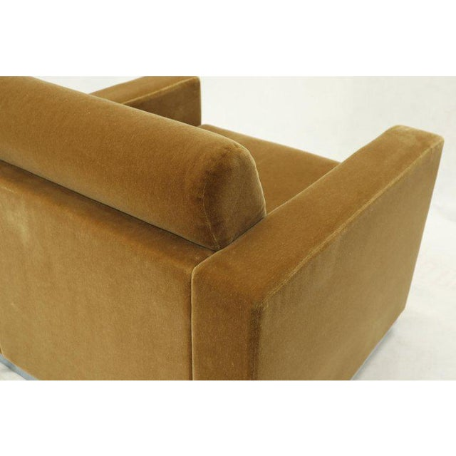Mid-Century Modern Pair of Mohair Club Chairs Ward Bennett for Brickel For Sale - Image 3 of 13