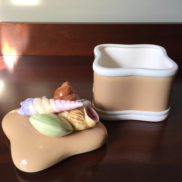 Coastal Fitz and Floyd Vintage Ceramic Shell Handle Lid and Box For Sale - Image 3 of 9