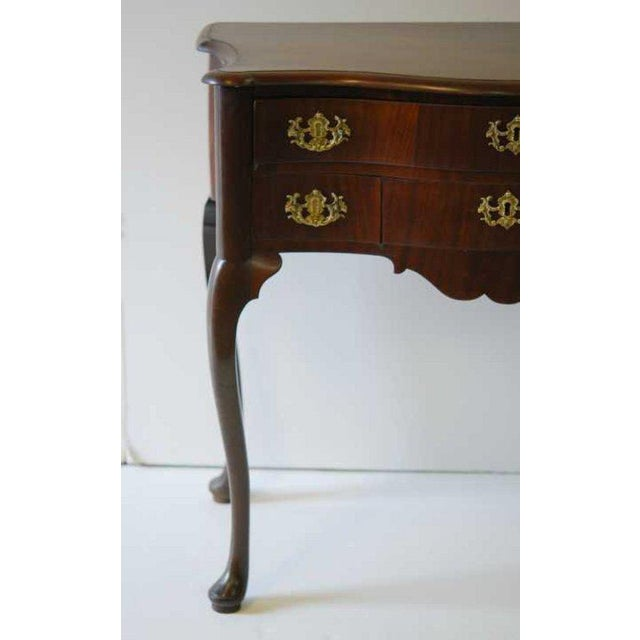 Queen Anne Dutch Mahogany Dressing Table, 18th Century For Sale - Image 3 of 4