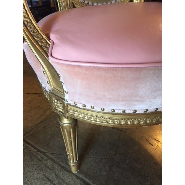 19th Century French Carved Gilt & Pink Leather Aubusson Back Arm Chairs - a Pair For Sale - Image 9 of 13